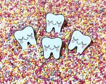 Cute Tooth Pin - Dental Nurse Gift - Dentist Gift - Tooth Gift - Dental Hygienist Gift - Tooth Pin - Dental Gifts - Dental Graduation Gift