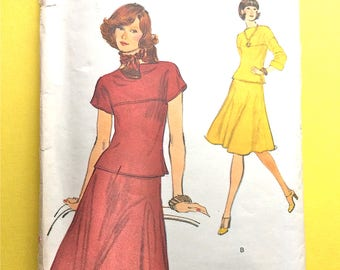 Uncut  Vogue 9154  Misses' Top Skirt  Loose fitting pullover top  bateau neckline, short sleeve 1970s Vintage Sewing Pattern  Bust 36 inches