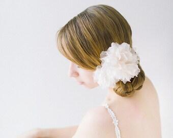 Bridal Hair Flower, Floral hair pins, Silk Flowers, Floral Headpiece, Blossom Headpiece, Wedding Hair Pins, Ivory Hair Flowers - Style 610