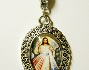 Divine mercy pendant and chain - AP26-407