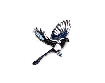 Magpie Lapel Pin - Flying Bird Magpie Enamel Pin - Illustration Drawing Hand Drawn Bird in Flight Animal Lapel Pin