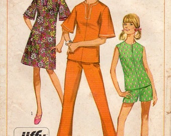 1960s Jiffy Dress or Top with Bell Sleeves - Vintage Pattern Simplicity 7135 - Size 12 Bust 32