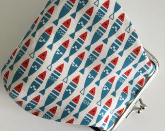 Small Clasp Pouch - Retro Fish in Red and Teal