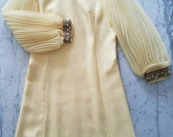 Vintage 60s YELLOW Accordion Sleeve Taffeta Shift Dress (s-m)AS IS