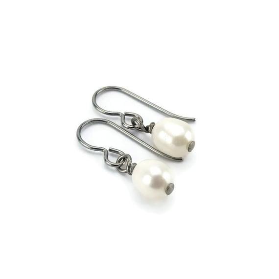 Niobium Earrings White Pearl, Oval Freshwater Pearl on Hypoallergenic Niobium or Titanium Earrings, No Nickel Silver Grey Niobium Jewellery