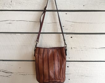 Vintage 1980s bucket bag • leather purse • 70s leather handbag