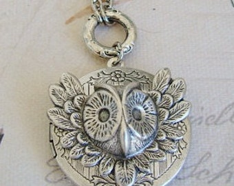 Silver Owl Locket Necklace Wedding Bride Bridesmaid Mother Wife Daughter Sister Anniversary Wife Photo Pictures - Melba