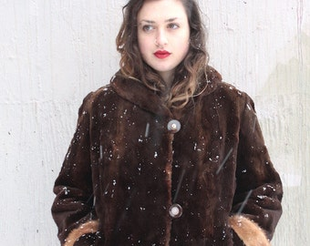 1950s Fur Coat // 50s Brown Beaver Fur Coat with Mink Fur Trim Cuffs // Hollywood Winter Glamour