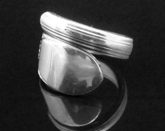 Simple Floral Spoon Ring, Beloved 1940