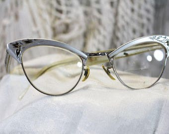 Vintage Cat Eye Glasses, Silver Cat Eye Frames    -  M