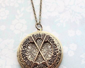 Best Friend Necklace, Crossed Arrows, Locket Necklace, Large Round Photo Locket Pendant Friendship BFF Gift Best Friends Forever Keepsake