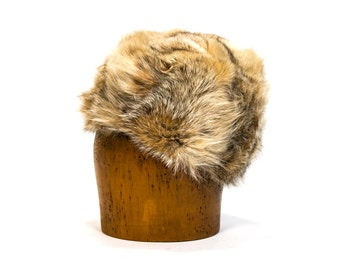 Vintage 1970's Coyote Fur Hat / Winter / Accessories Women's Retro