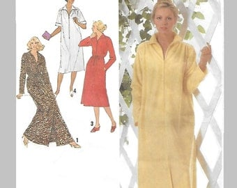 Simplicity 9048 Misses' 70s Bathrobe with Front Zipper in Two Lengths Size 6 to 8 Bust 30 1/2 to 31 1/2