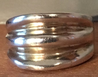 Size 5 MODERNIST STERLING SILVER 7.5 Grams Ring