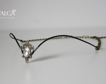 Black Forehead tiara with chain