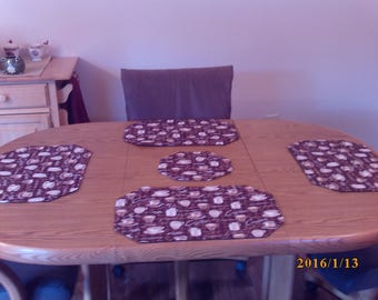 Placemat Set with Centerpiece