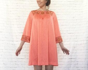 Vintage 60s Embroidered Mod Exotic Trim Babydoll Nightie Night Gown Coral Gossard Artemis M
