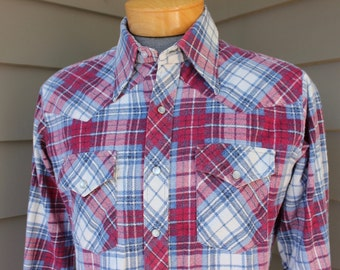 vintage 1970's 'Moving Up- Men's 'Western' long sleeve Flannel shirt. Tartan style plaid - Magenta, Blue & White.  Cotton Poly blend.  Large
