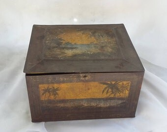 Rustic Beach Palm Tree Tin Storage Container Lots of Patina