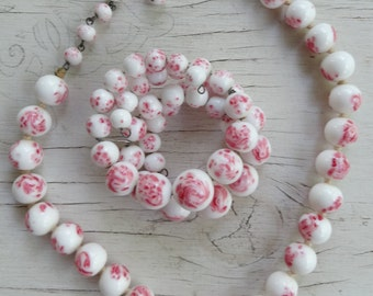 Vintage demi parure white and pink milk glass bead necklace and bracelet