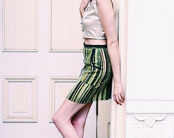S. Green striped pencil skirt with pockets in vintage heavy cotton fabric. Size small women's.