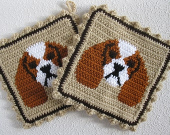 King Charles Cavalier Spaniel Pot Holders. Neutral color, crochet dog potholders with rust and white cavalier spaniels. Knit kitchen decor
