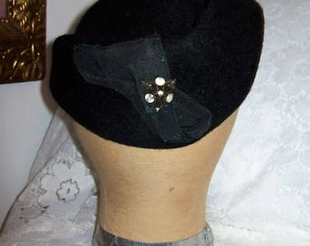 Vintage 1930s Ladies Black Felted Wool Hat w/ Rhinestone Accent Only 9 USD