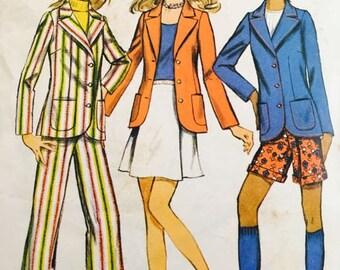 Simplicity 9887  jacket, mini-skirt, pants and shorts