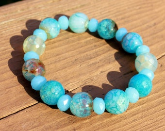 Light Blue Faceted Agate and Crystal Stretch Bracelet, Stacking Bracelet, Agate Bracelet, Gemstone Bracelet, Blue Bracelet