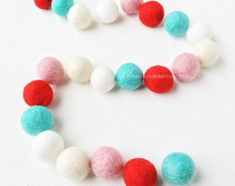Peppermint Felt Balls, Christmas Felt Ball Set, Winter Felt Balls, 25 Pieces Wool Felt Balls