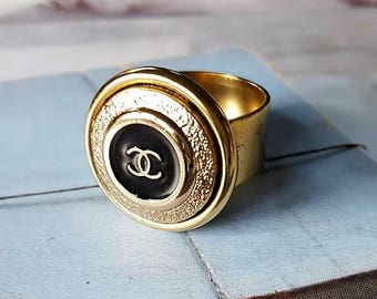 Designer Button Ring, Classic Black Enamel and Gold, Authentic Designer Button Ring Black and Gold Button Jewelry, Adjustable Ring veryDonna