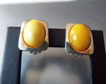 modern sterling silver Baltic amber egg yolk amber butterscotch amber clip earrings 9.7 grams