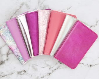 Natural leather credit card wallet. Business card case. Double credit card holder. Metallic leather wallet. Metallic pink shades.