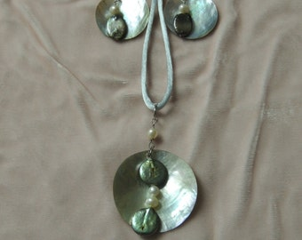 Pearl, shell, and bead necklace and earring set.