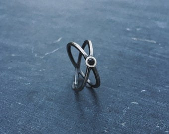 Hadean Duo: The Binary Planet // sterling silver ring inspired by the Pluto–Charon system // The Satellite Collection from Mod Evil