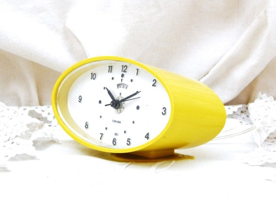 Working Vintage Mid Century French Calor Yellow Electrical Alarm Clock, European, Retro, Interior, Hipster, Home, Office, Bedroom,Time Piece