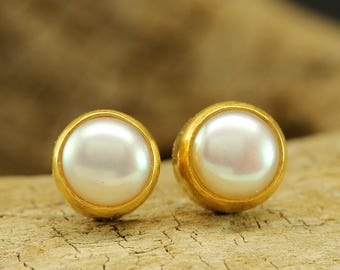 Handcrafted Artisan 24K Yellow Gold over 925 Solid Sterling Silver Natural Freshwater Pink Pearl, Roman Art Designer Handmade Stud Earrings
