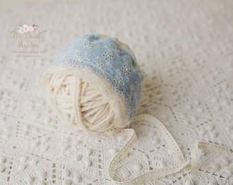 Newborn prop,, baby photo prop/Vintage blue bonnet