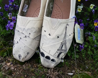 Dandelion Eiffel Tower vans, toms or Chucks, Paris Toms. Hand painted Toms Shoes. Paris Vans. Paris Converse