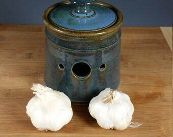 Garlic Keeper mottled blue