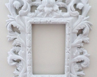 Decorative White leaves and Flowers Scrollwork Shabby Chic Picture Frame 3x5