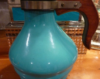 Metlox Pouring Jug Pitcher Beehive Shape With Wooden Handle Blue