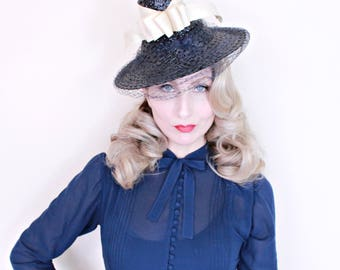 1930s Vintage Hat / Vintage tilt hat / Straw / Navy blue / vintage 30s hat / Cream ribbon