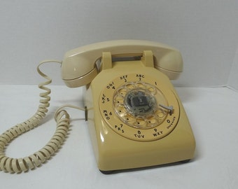 1970s Vintage Rotary Dial Beige Telephone by AT & T, Removable Cords, Vintage Dial Phone, Vintage Technology, 1980s Home Decor Telephone