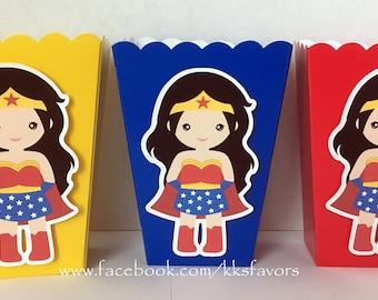 Wonder Woman / Supergirl / Spidergirl / Batgirl / Superhero Girls / Treat Boxes / Pinata Boxes - Set of 12