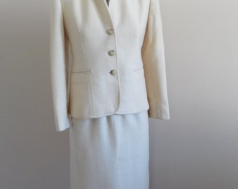 Vintage 1980s Creme 100% Wool Union Made, Wool Mark Suit by Evan Picone Petities with a FREE Skirt