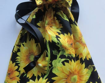 Vincent - Yellow Sunflowers Floral Lined Drawstring Fabric Gift Bag