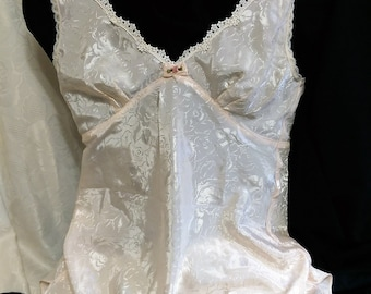 Vintage California Dynasty Silky Nightgown, Romantic Off-White  Chemise Lingerie, Medium  Made in the USA