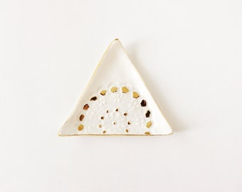 Triangle Ring Dish with Gold - Lace Ceramic Ring Dish - Gold Ceramic Ring Dish - Potterylodge