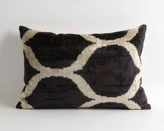 12x18 Black and white modern silk ikat velvet cushion cover // Decorative modern pillows // scandinavian home decor